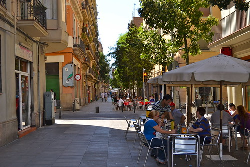 Outdoor drinks in Poble Sec