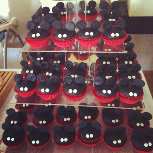 Mickey mouse fasadura cupcakeleri by l'atelier de ronitte