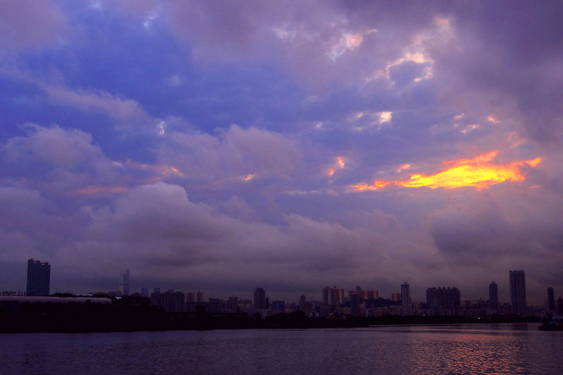 風起雲湧 BY PENTAX Q