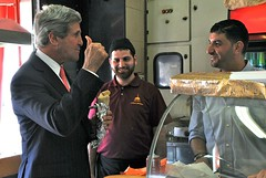 Secretary Kerry Enjoys a Shawarma Sandwich in Ramallah