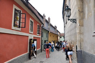 http://hojeconhecemos.blogspot.com.es/2013/07/do-golden-lane-praga-rep-checa.html