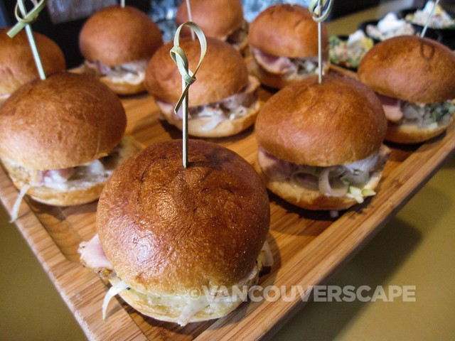 Grain Tasting Bar Tuna Sliders