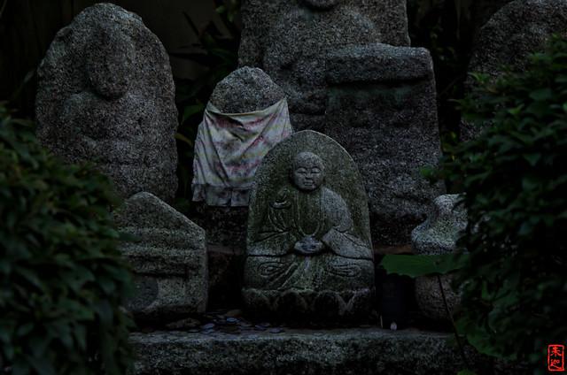 「石仏」 法観寺 - 京都