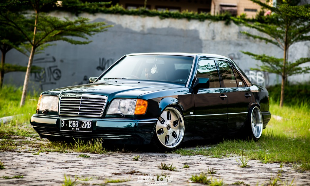 Mercy-W124-darkgreen_17