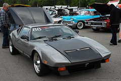 lamborghini jalpa(0.0), matra 530(0.0), race car(1.0), automobile(1.0), vehicle(1.0), performance car(1.0), de tomaso pantera(1.0), land vehicle(1.0), coupã©(1.0), supercar(1.0), sports car(1.0),