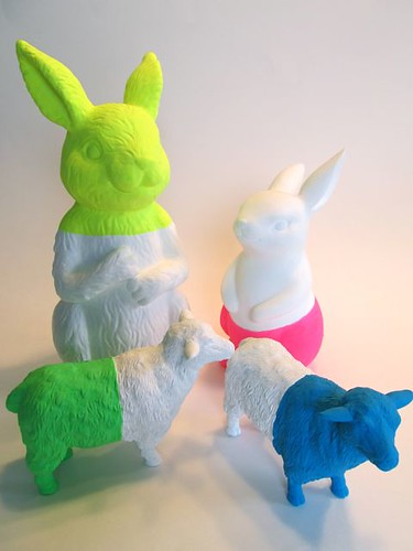 Neon dip-dyed animals