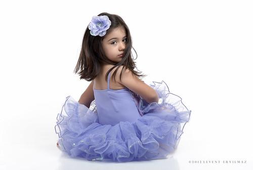 white chicago girl beautiful hair nikon ballerina dress f14 85mm sigma chicagoist derin strobist d3000 leventeryilmaz