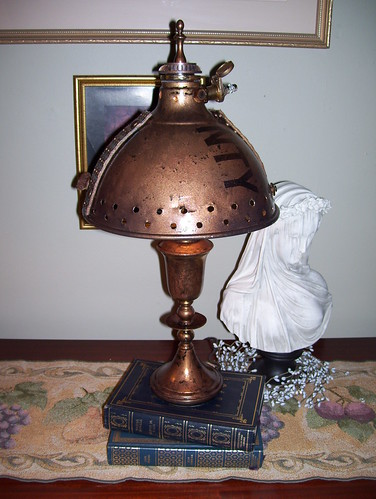 Steampunk Lamp NTY510(1) by broken toys