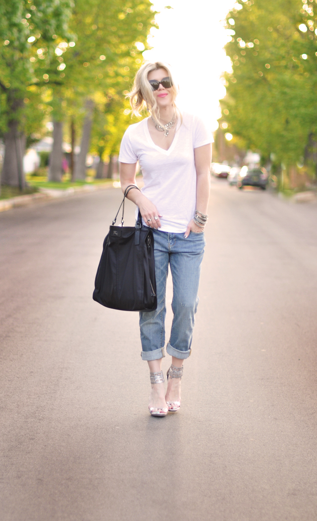 slouchy jeans and t with  rhinestones
