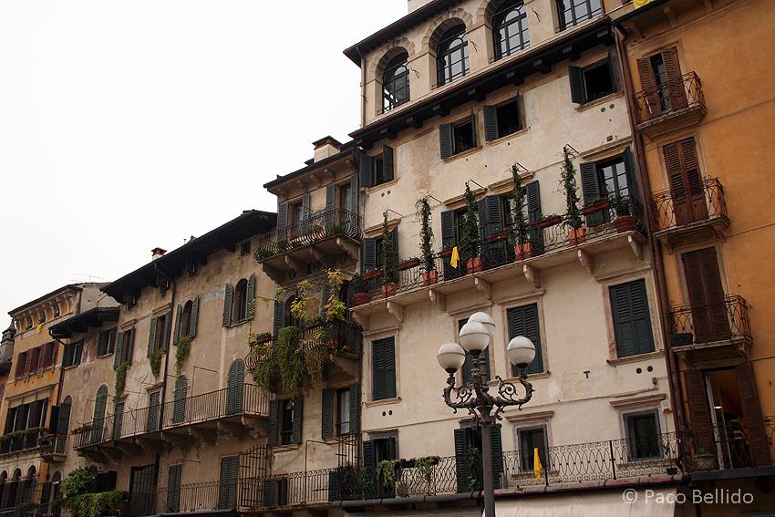 Casas de la plaza. © Paco Bellido, 2006