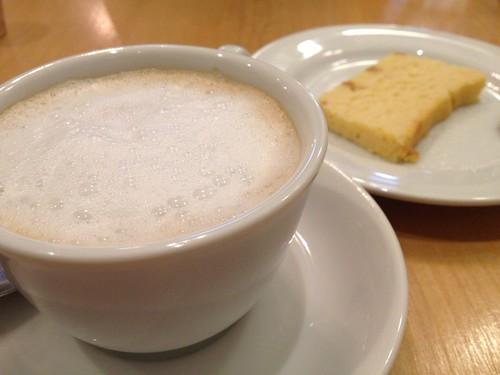 食後のカフェオレとデザート@エピノウ