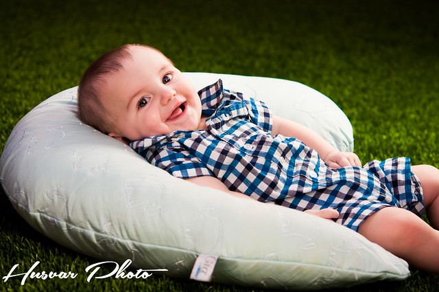 dr brown's mia nursing pillow review in_the_know_mom