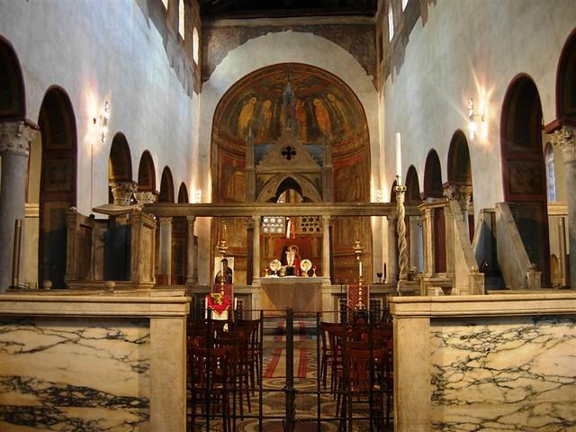Interior de la Iglesia Santa Maria in Cosmedin donde se encuentra la Bocca della Verità Boca de la verdad de Roma - 9493484660 06aa780ce7 z - Boca de la verdad de Roma