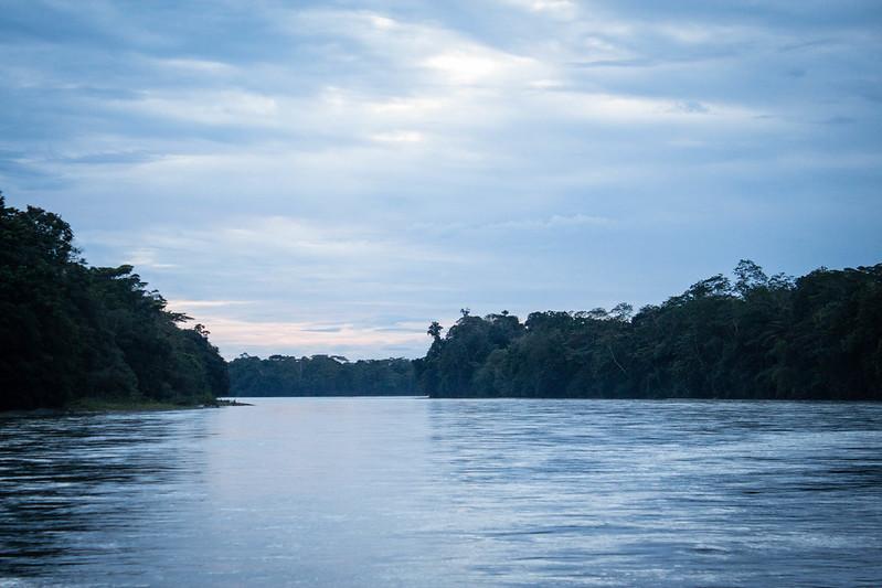 Rio Aguarico... atardecer azul