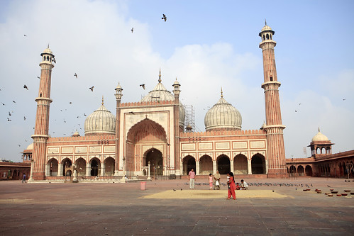 people india color building horizontal outside islam mosque architectural photograph indians ethnic cultural newdelhi islamic jamamasjid