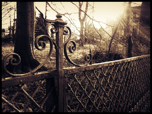 fence, abandoned houses, heiligendamm, dec 28th 2011