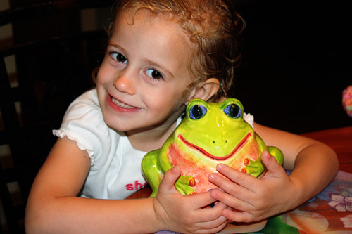 Aut-with-frog