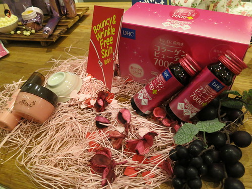 Singapore Lifestyle Blog, Singapore Lifestyle Blogger, Singapore Beauty Blog, nadnut, DHC, Watsons, Watsons event, DHC Anti-ageing, DHC Watsons event, Collagen drinks, Collagen powder, Mixing collagen powder in your food
