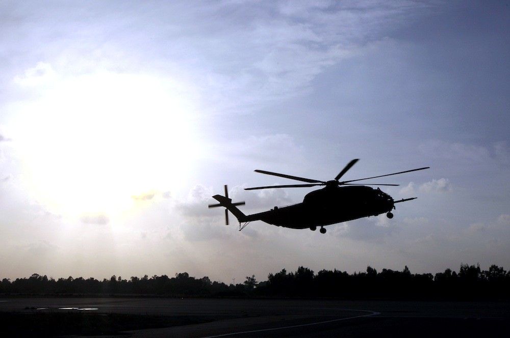 An Israeli Air Force Sikorsky CH-53 helicopter lands in the Tel Nof air base in central Israel.(Reuters / Baz Ratner)