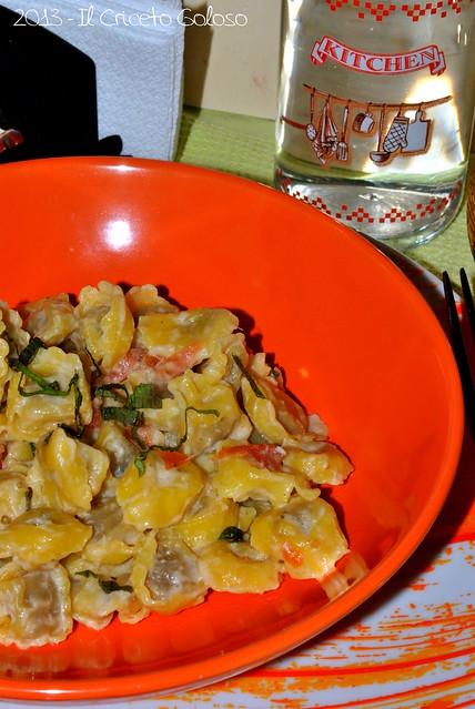 Tortellini con patè di carciofi, pomodori secchi e menta 2