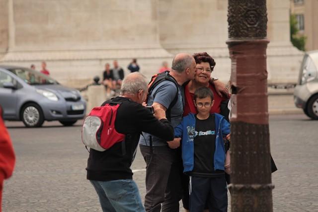 foto ricordo all' Arco di Trionfo