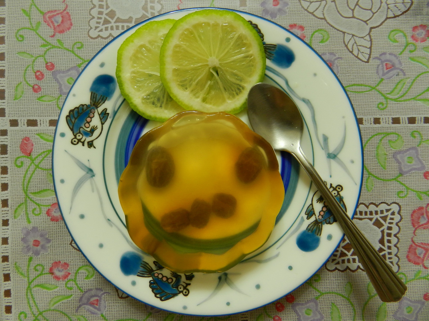 石花菜變身成好吃的果凍。圖片來源:方雅芬