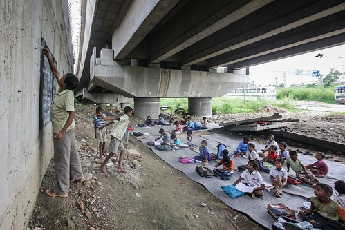 Así es como se educan los niños de bajos recursos en la India