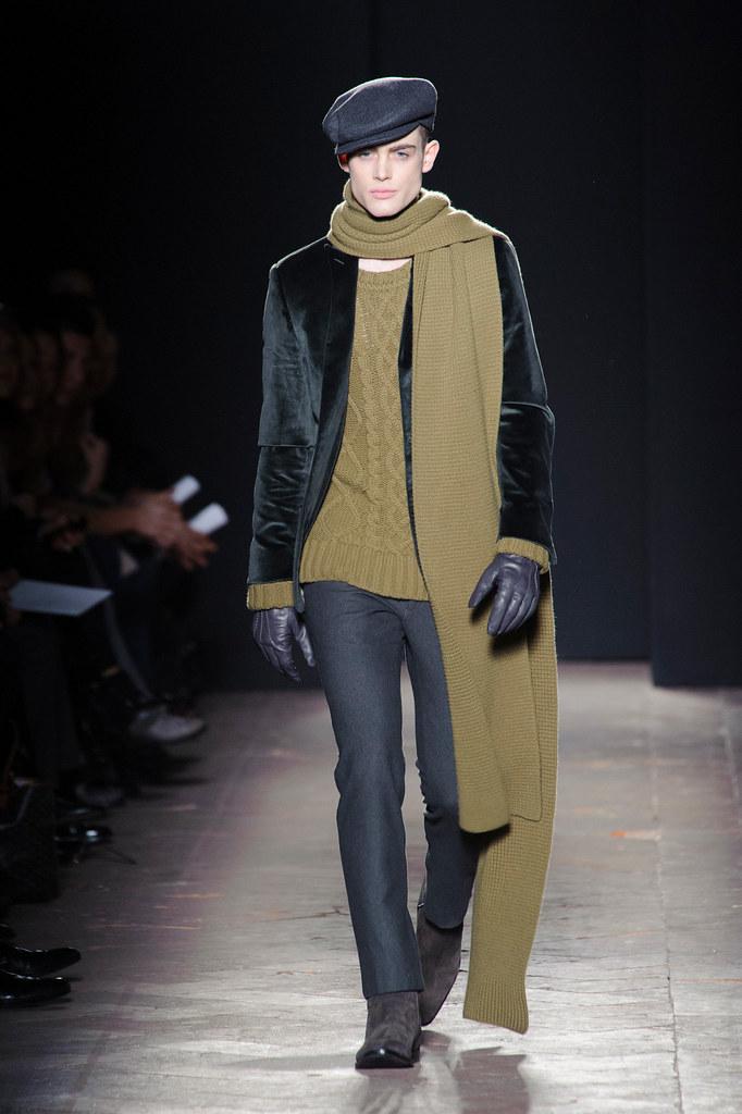Philip Reimers3039_FW13 Milan Daks(fashionising.com)