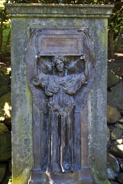 detail - Joseph Willard tomb - Amphitheater section - Oak Hill Cemetery - 2013-09-04