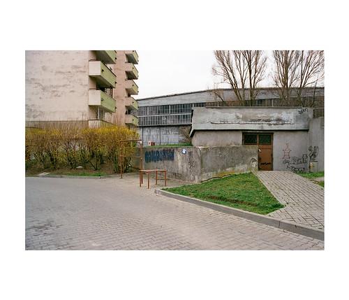 urban building tree film 35mm landscape negative tamron konicaminolta fujicolor dynax505sisuper superia400xtra
