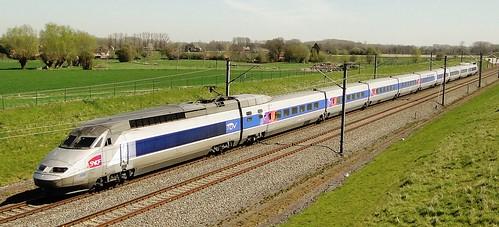 Belgian High Speed - TGV Réseau on it's way to Brussels.