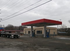 1980-built Exxon (north Memphis)