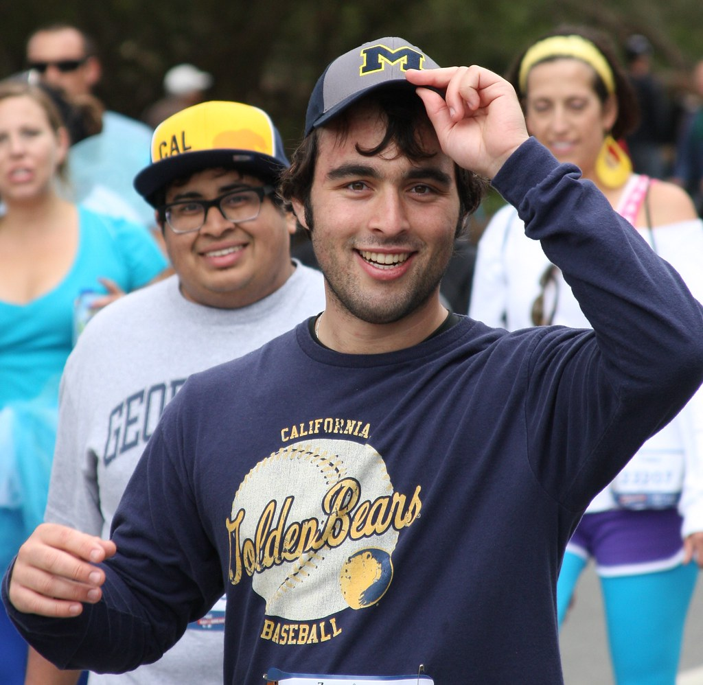 HANDSOME HUNKS at the 2015 BAY TO BREAKERS RACE! (safe photo)