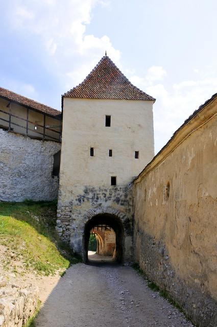 Rășnov fort (1215), de stadspoort, Roemenië 2016