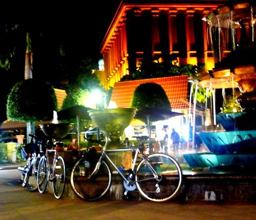 Laman Putra at night.. by Adibi