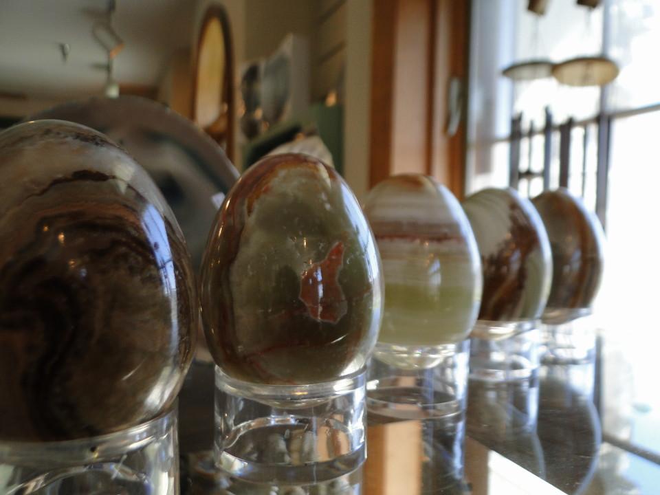 75-2apr12_3136_Howe Caverns_stone_onyx eggs