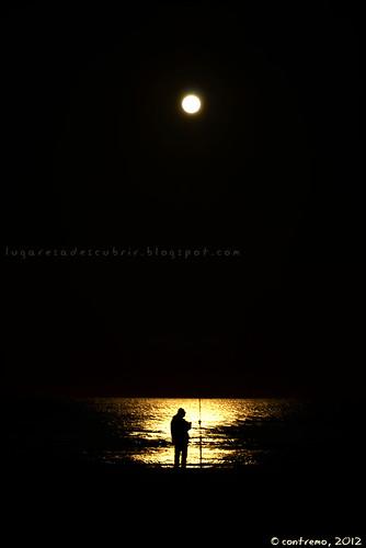Pescando a la luz de la Luna