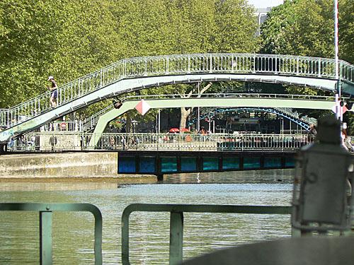 le pont tournant d ela rue Dieu.jpg
