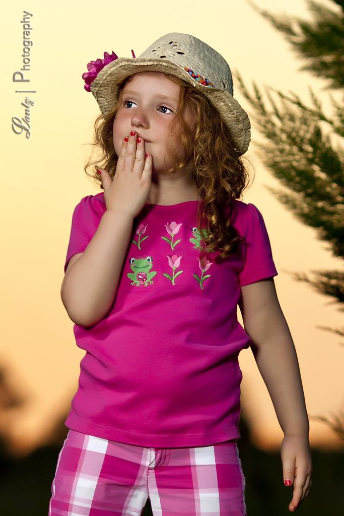 IMAGE: http://farm6.staticflickr.com/5455/7433204626_2efdd1f4aa_b.jpg
