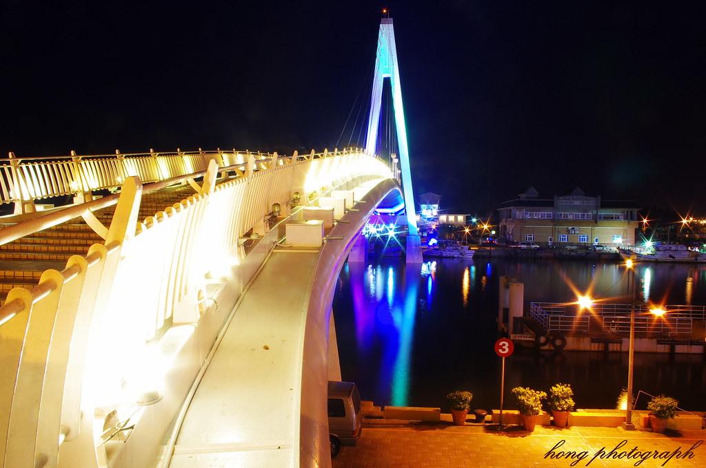 夜的淡水情人橋