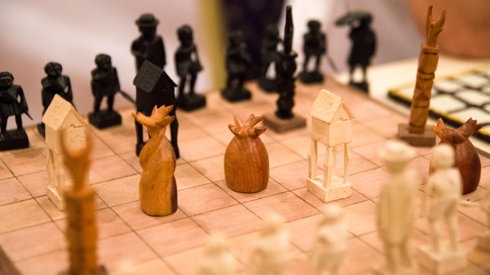 picture of mad not chess set