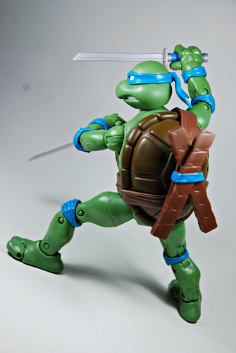 Teenage Mutant Ninja Turtles Classics: Leonardo