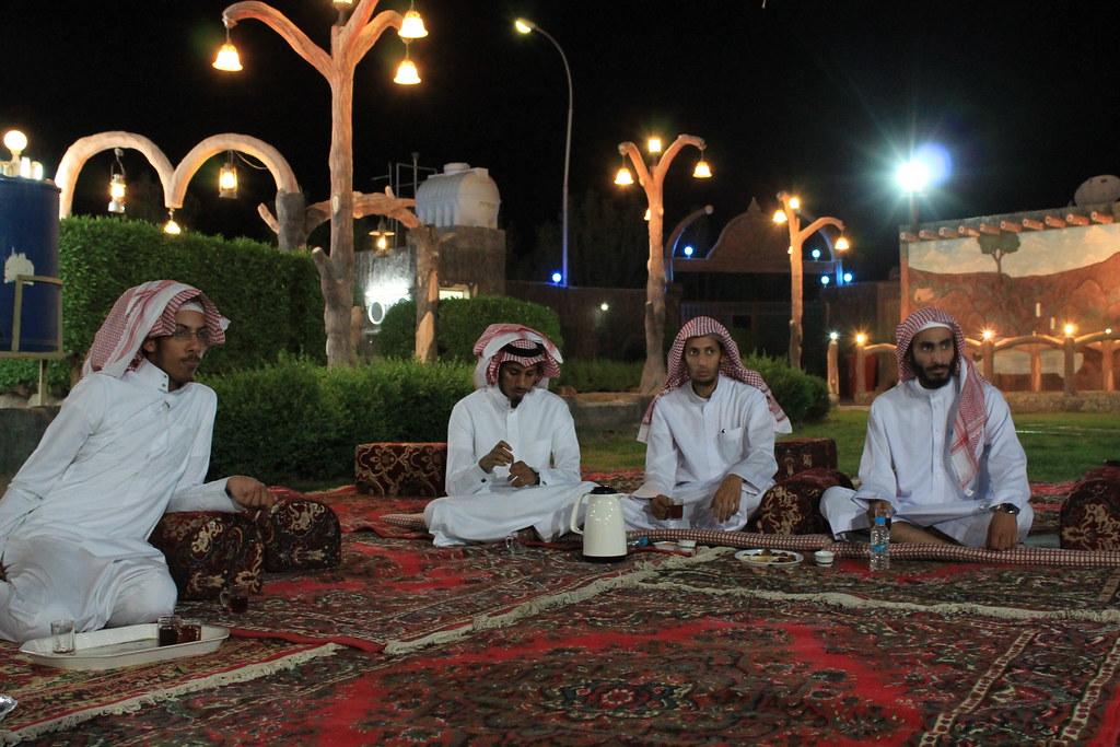 لقاء أشهر مطاردين الامطار في المنطقة الغربية وفريق عواصف ...
