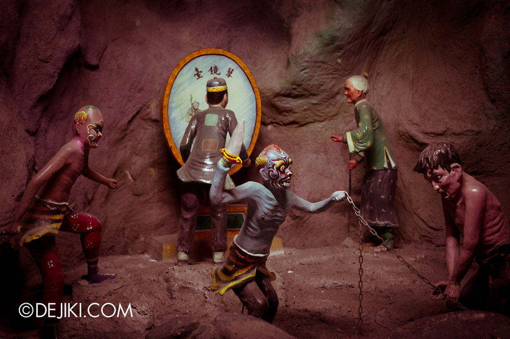 Haw Par Villa - inside ten courts of hell 2