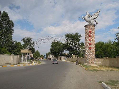 カザクの街へ