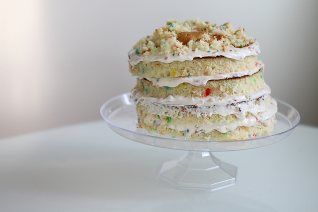 How to make a Momofuku-Milk-Bar-inspired Funfetti naked cake