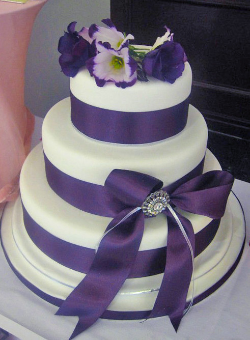 ribbon size for wedding cake purple ribbon wedding cake 19217