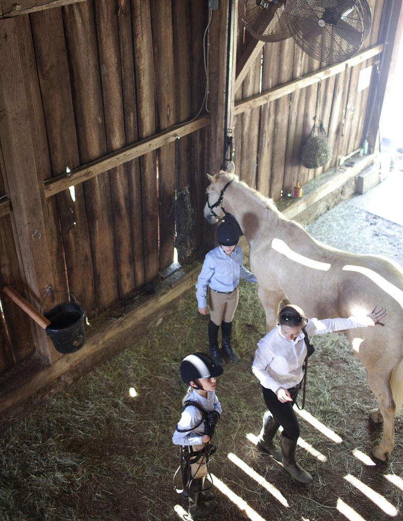 TCX-08-horse-barn-blackberry-farm-tennesse-1012-xln-mv
