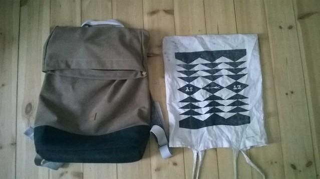 Mochila y bolsa de tela