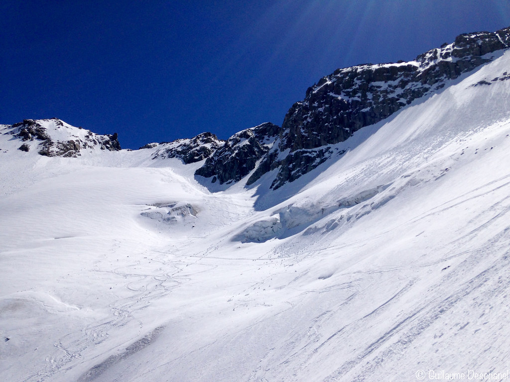 IMG_La descente, au top sur le Glacier de Péclet face à Valtho7640
